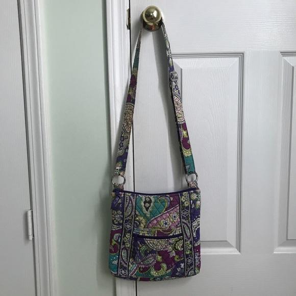 Vera Bradley Handbags - Vera Bradley Cross Body Bag